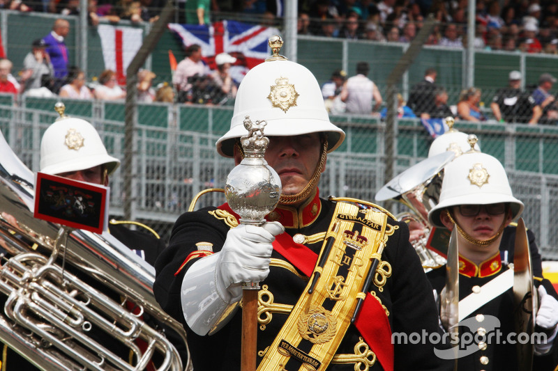 Pre race band on the grid