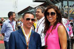 Frankie Dettori, Jockey with Fabiana Flosi, on the grid