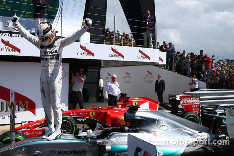 Primo posto Lewis Hamilton, Mercedes AMG F1.