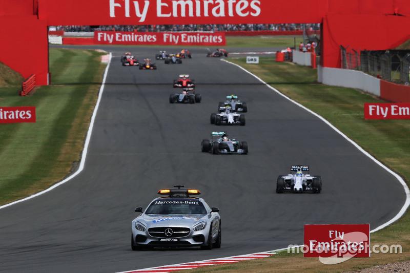 Felipe Massa, Williams FW37 leads behind the FIA Safety Car