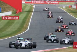 Felipe Massa, Williams FW37 lidera a Lewis Hamilton, Mercedes AMG F1 W06