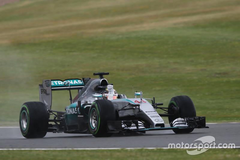 Lewis Hamilton, Mercedes AMG F1 W06 arranca el tear-off de su visor