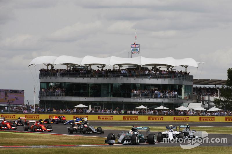 Lewis Hamilton, Mercedes AMG F1 W06 di start of the race