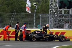 Сход с гонки Пастора Мальдонадо, Lotus F1 E23