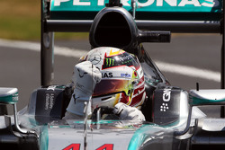 Race winner Lewis Hamilton, Mercedes AMG F1 W06 celebrates at the end of the race