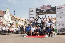 Kazanan Sébastien Ogier ve Julien Ingrassia, Volkswagen Polo WRC, Volkswagen Motorsport