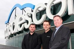 Verkaufsleiter Chris Polites, Nissan Motorsport, Besitzer/Fahrer Todd Kelly und Verkaufsleiter und G