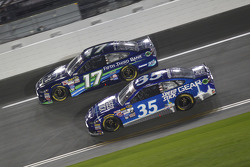 Ricky Stenhouse Jr., Roush Fenway Racing Ford and Cole Whitt, Front Row Motorsports Ford
