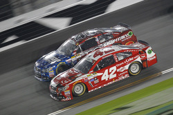 Landon Cassill, Hillman Circle Sport LLC Chevrolet and Kyle Larson, Ganassi Racing Chevrolet