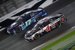 Ricky Stenhouse Jr., Roush Fenway Racing Ford and Kevin Harvick, Stewart-Haas Racing Chevrolet