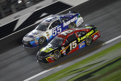 David Ragan, Michael Waltrip Racing, Toyota, und Clint Bowyer, Michael Waltrip Racing, Toyota