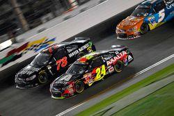 Martin Truex Jr., Furniture Row Racing Chevrolet et Jeff Gordon, Hendrick Motorsports Chevrolet