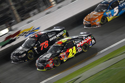 Martin Truex Jr., Furniture Row Racing Chevrolet y Jeff Gordon, Hendrick Motorsports Chevrolet