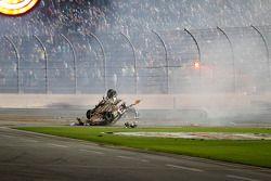 Les mécaniciens vérifient que tout va bien pour Austin Dillon, Richard Childress Racing Chevrolet