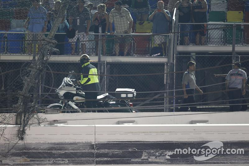 Das große Loch im Sicherheitszaun am Daytona International Speedway