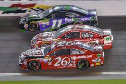 Denny Hamlin, Joe Gibbs Racing Toyota, Kyle Larson, Ganassi Racing Chevrolet and Jeb Burton, BK Racing Toyota