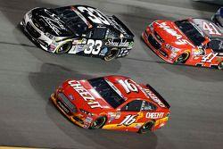 Brian Scott, Richard Childress Racing Chevrolet et Greg Biffle, Roush Fenway Racing Ford