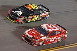 Jeff Gordon, Hendrick Motorsports Chevrolet et Kyle Larson, Ganassi Racing Chevrolet