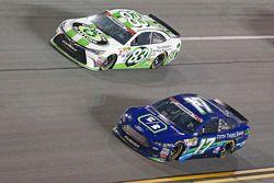 Matt Dibenedetto, BK Racing Toyota et Ricky Stenhouse Jr., Roush Fenway Racing Ford