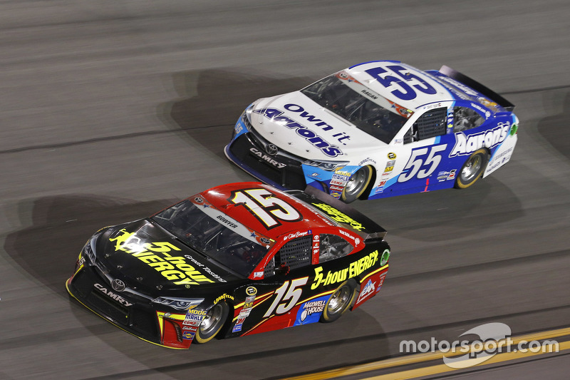 Clint Bowyer, Michael Waltrip Racing Toyota dan David Ragan, Michael Waltrip Racing Toyota