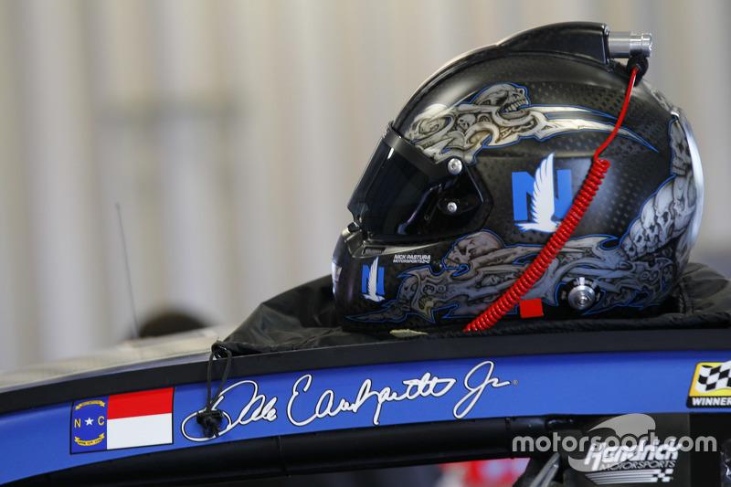 Helm Dale Earnhardt Jr., Hendrick Motorsports Chevrole