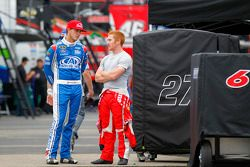 Trevor Bayne, Roush Fenway Racing Ford ve Cole Whitt, Front Row Motorsports Ford