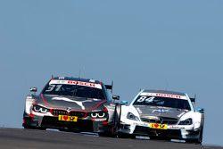 Том Бломквист, BMW Team RBM BMW M4 DTM и Максимилиан Гётц, Mücke Motorsport Mercedes-AMG C 63 DTM