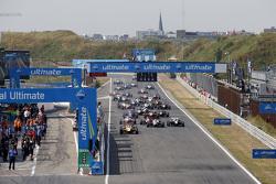 Largada: Antonio Giovinazzi, Jagonya Ayam with Carlin Dallara Volkswagen lidera a prova à frente de