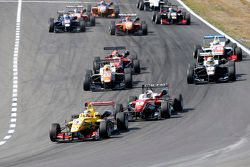 Start: Antonio Giovinazzi, Jagonya Ayam with Carlin Dallara Volkswagen leads from Felix Rosenqvist,