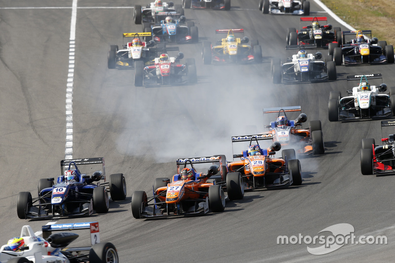 George Russell, Carlin Dallara Volkswagen and Mikkel Jensen and Maximilian Günther, Mücke Motorsport