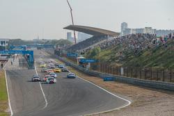 Старт: Марко Віттман, BMW Team RMG BMW M4 DTM лідирує