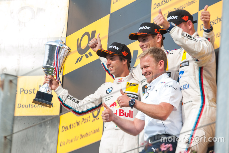 Подіум: друге місце Антоніо Фелікс да Коста, BMW Team Schnitzer BMW M4 DTM та winner Марко Віттман т