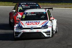 Mikhail Grachev, Volkswagen Golf TCR, Liqui Moly Team Engstler and Pepe Oriola, SEAT Leon, Craft Bam