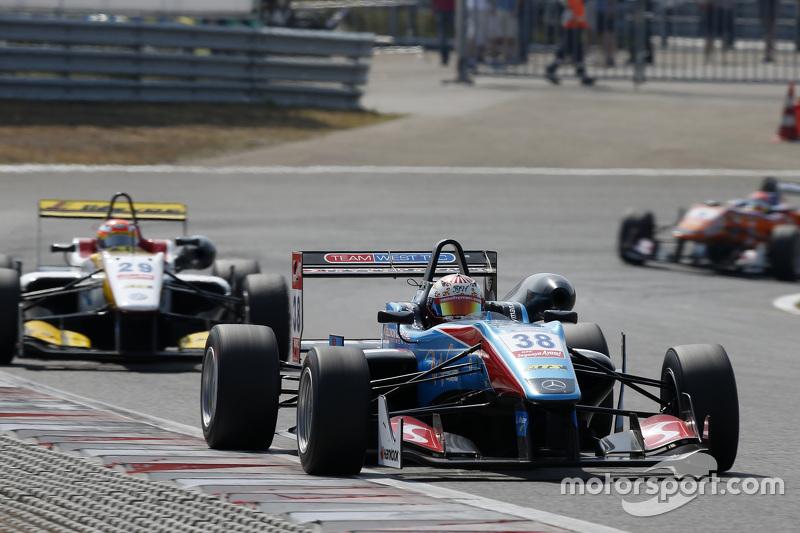 Raoul Hyman, Team West-Tec F3 Dallara Mercedes-Benz et Arjun Maini, Van Amersfoort Racing Dallara Volkswagen