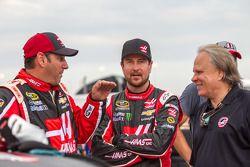 Kurt Busch, Stewart-Haas Racing Chevrolet con Gene Haas