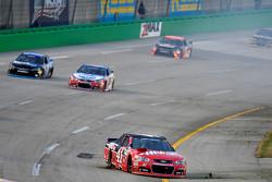 Kurt Busch, Stewart-Haas Racing Chevrolet, com problemas