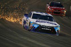 David Ragan, Michael Waltrip Racing Toyota sorun yaşıyor