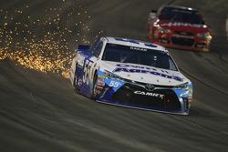 David Ragan, Michael Waltrip Racing Toyota in trouble