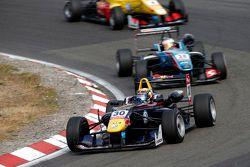 Callum Ilott, Carlin Dallara Volkswagen and Raoul Hyman, Team West-Tec F3 Dallara Mercedes-Benz