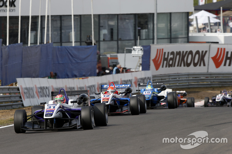 Wing Chung Chang dan Pietro Fittipaldi, Fortec Motorsports Dallara Mercedes-Benz