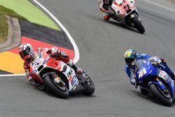 Andrea Dovizioso, Ducati Team et Aleix Espargaro, Team Suzuki MotoGP