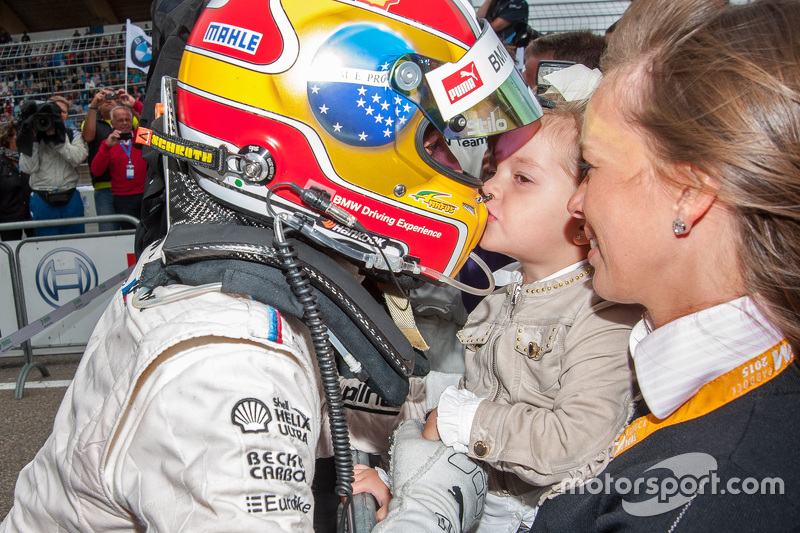 Second place Augusto Farfus, BMW Team RBM BMW M4 DTM gets a kiss from his daughter Victoria