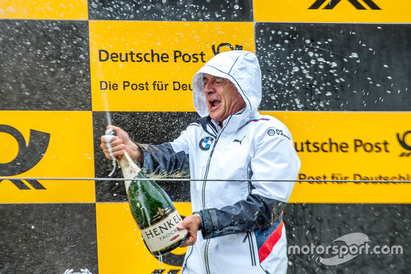Руководитель команды BMW Schnitzer - Чарли Ламм