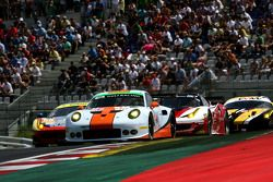 #86 Gulf Racing UK Porsche 911 RSR: Michael Wainwright, Adam Carroll, Daniel Brown