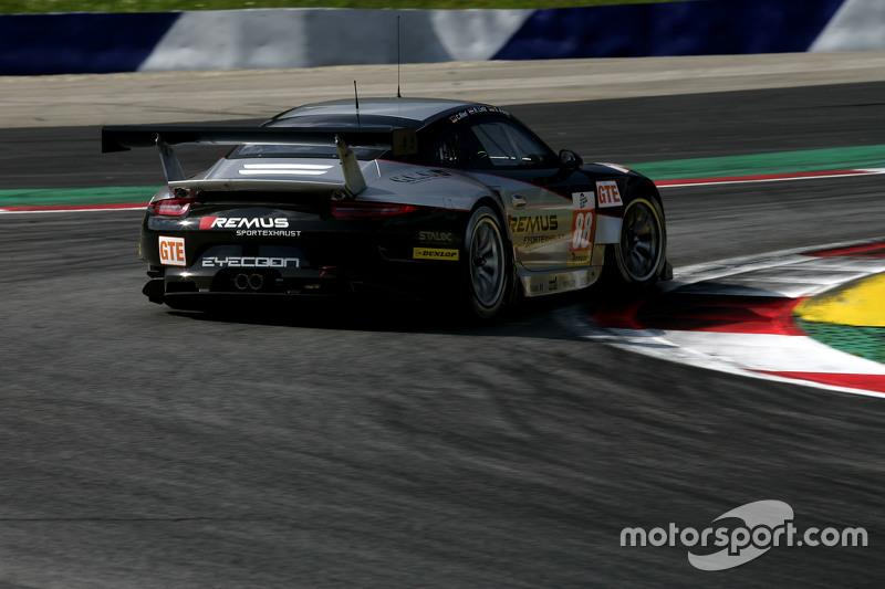 #88 Proton Competition Porsche 911 RSR: Річард Літц, Себастьян Аш, Крістіан Рід