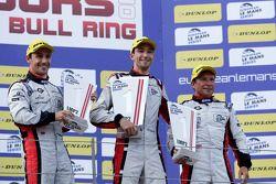 Podium : les vainqueurs Simon Dolan, Filipe Albuquerque, Harry Tincknell