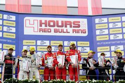 GTC podium: ganadores, Thomas Flohr, Stuart Hall, Francesco Castellacci, segundo lugar, Eric Dermont, Franck Perera, Dino Lunardi, tercer lugar