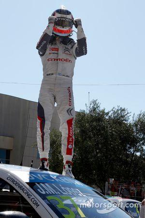 الفائز في السباق خوسيه ماريا لوبيز، فريق سيتروين سي-إليزيه دبليو تي سي سي، فريق السيارات السياحية ال