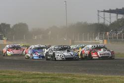Pedro Gentile, JP Racing Chevrolet and Laureano Campanera, Donto Racing Chevrolet and Prospero Bonel