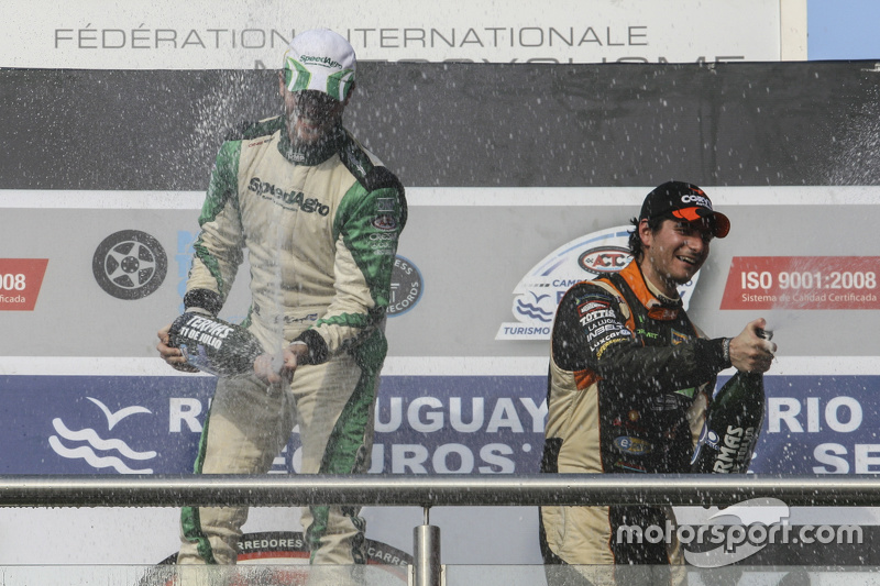 Podio: Agustín Canapino, Jet Racing Chevrolet y Juan Marcos Angelini, UR Racing de Dodge (left to right)